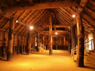 大型竪穴住居の内部