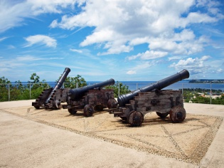 3台の大砲