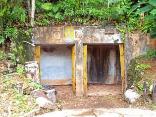 日本軍が掘った洞窟