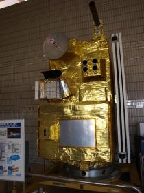 海洋観測衛星「もも1号」