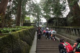 徳川家康公のお墓へ続く階段