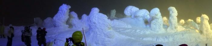 山形蔵王スキー場の樹氷(夜)